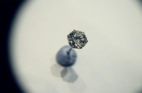 0.8ctダイヤモンドピアス